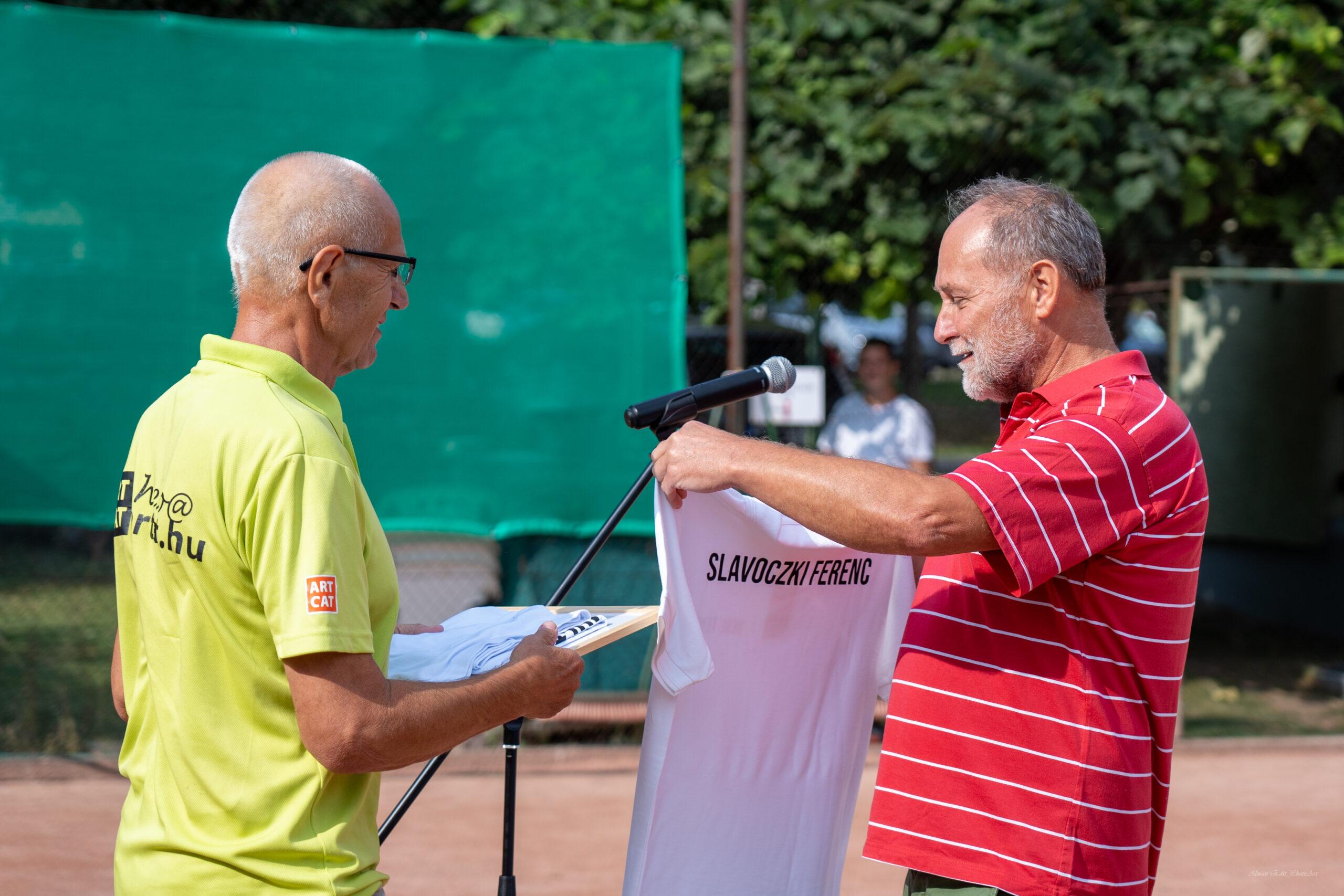 Korosztályos bajnok is kikerült a teniszedző kezei közül – interjú Slavóczki Ferenccel